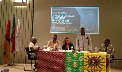Resultado de imagem para Encontro de Promoção e de Desenvolvimento Económico de Moçambique na UCCLA